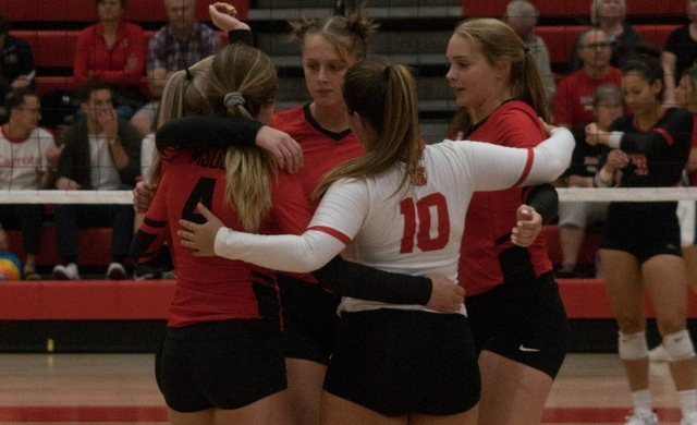 Women's Volleyball Rallies but Falls in Five