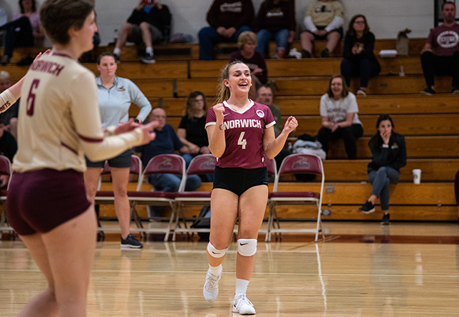 Volleyball: Cadets Top Vikings 3-0