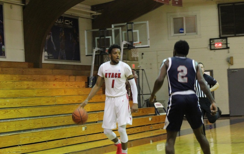 Men's Basketball Edges out Felician on the Road