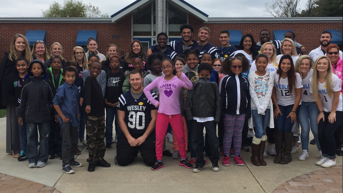 Wolverines in the Community - Reading at Fairview Elementary School