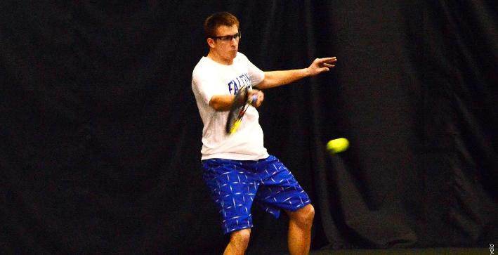 Men's Tennis wins thriller over Lawrence, routs Oakton Community