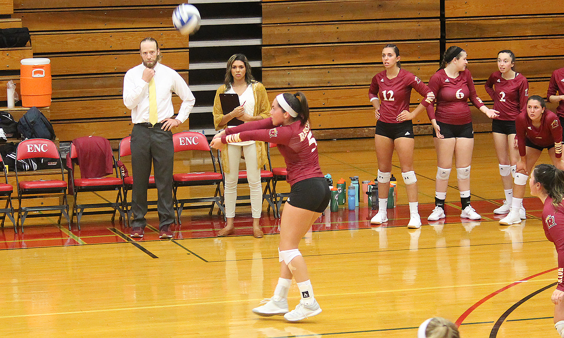 Women's Volleyball Loses to Plymouth State