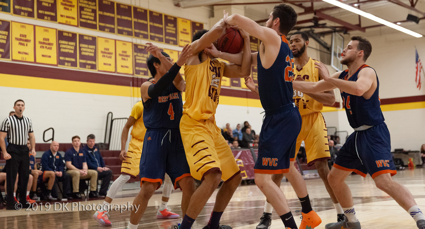 Men's Basketball season comes to an end as they lose 91-77 to Fresno City in Round 2 of the playoffs