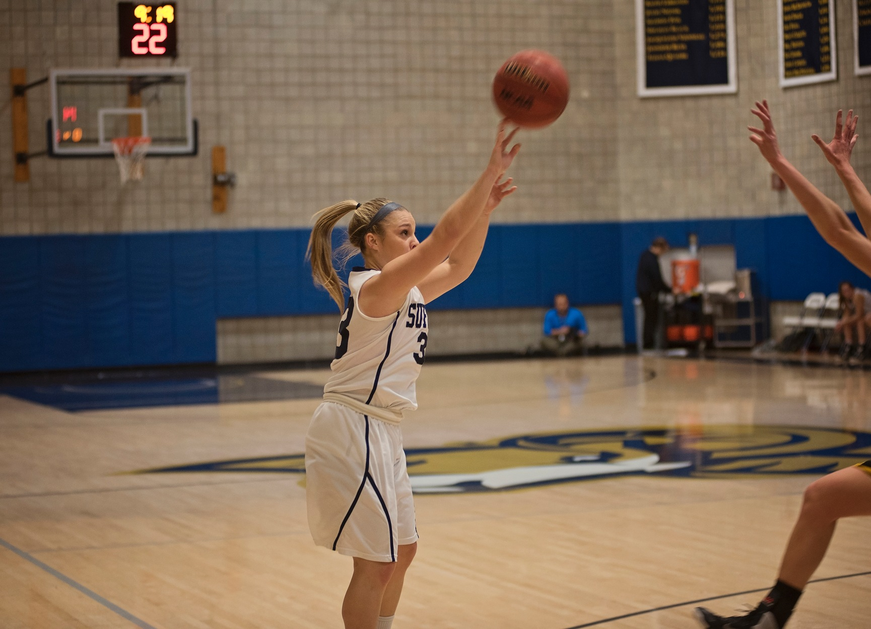 Women's Basketball Runs Streak to Five, Upends Mt. Ida, 81-50