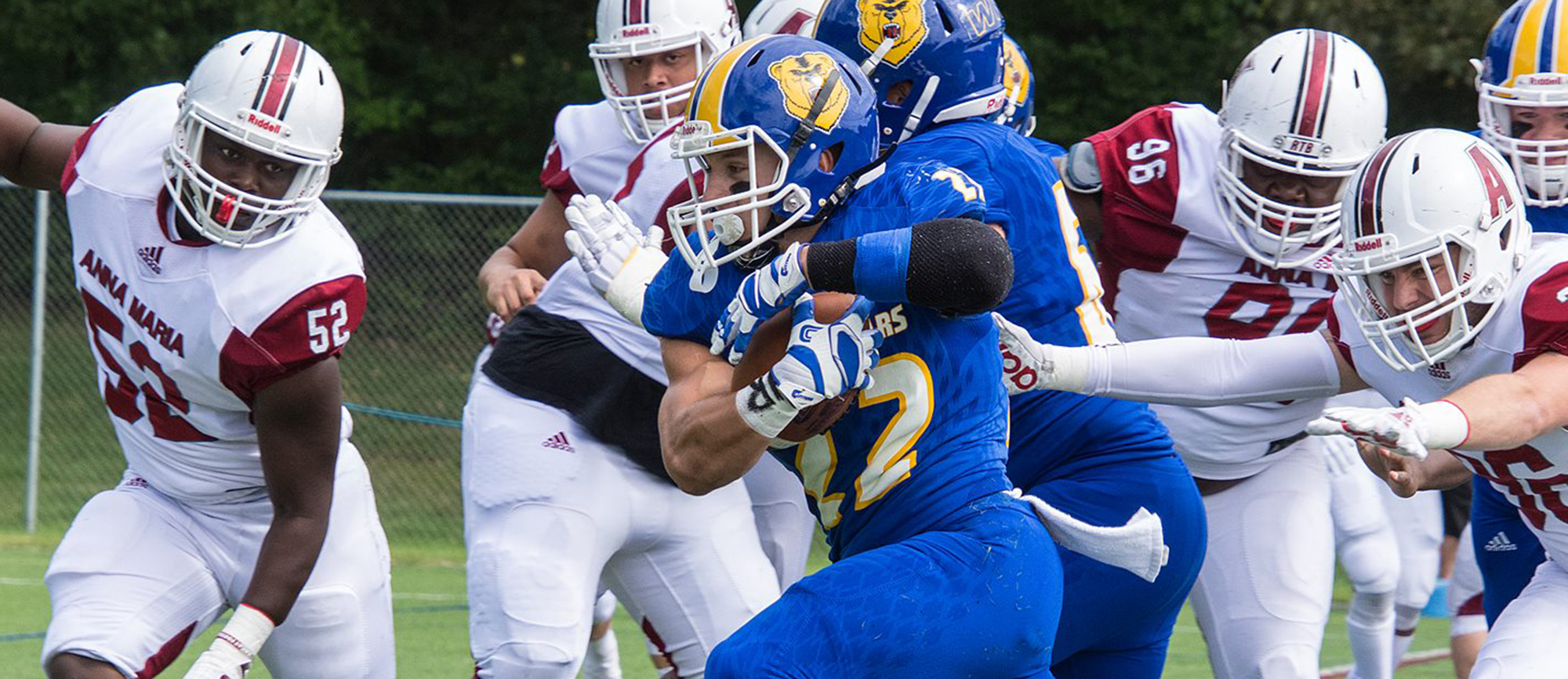 Junior running back Pete Hoff topped the 200-yard mark in Western New England's 41-14 triumph at Salve Regina on Saturday. (Photo by Thomas Henry)