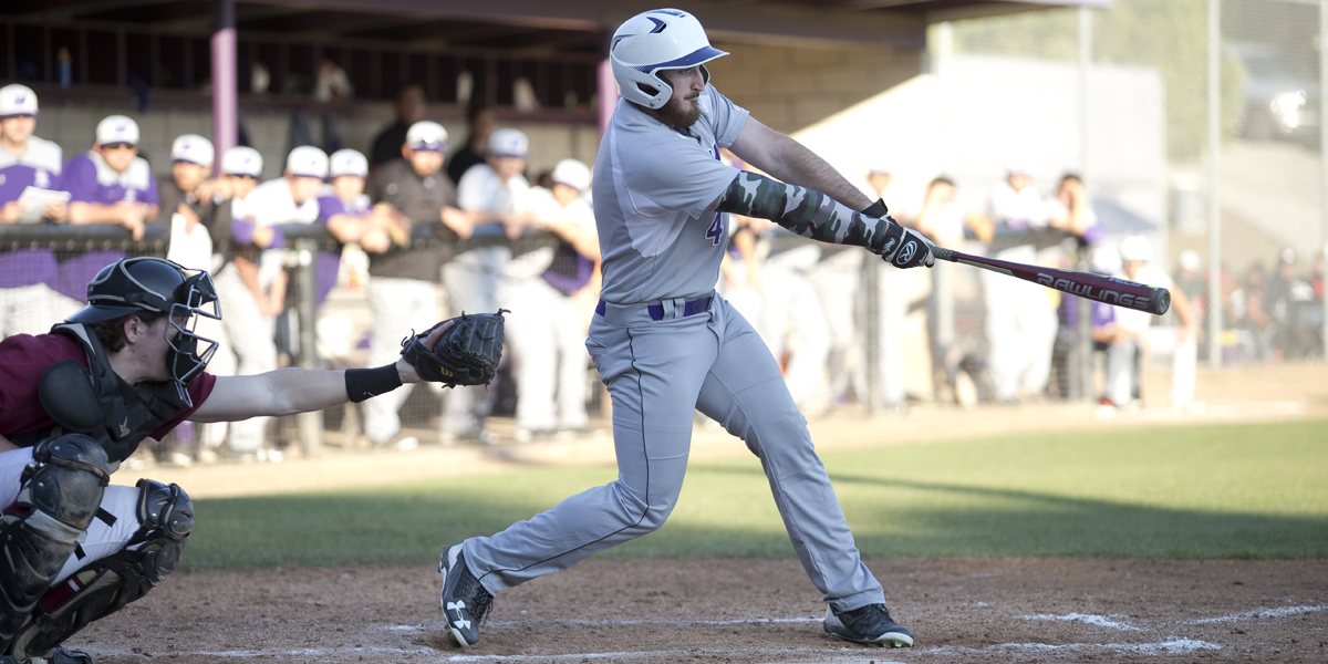 Baseball can't hold lead in 9-8 loss to Oxy