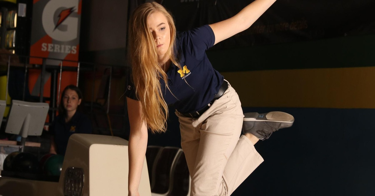 Women's Bowling competes at WHAC No. 4