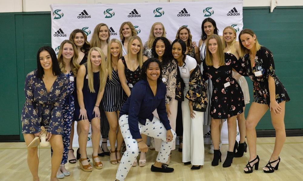 WOMEN'S BASKETBALL HOSTS SUCCESSFUL DEBUT NIGHT IN THE NEST EVENT