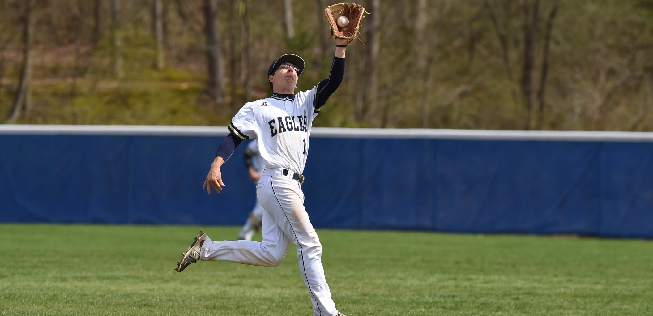 Royals Edge Out Eagles in Doubleheader