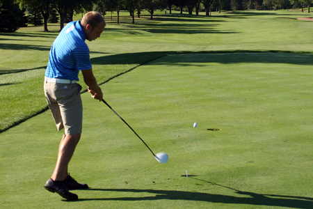 Men's Golf struggles at Elmhurst Bluejay Classic