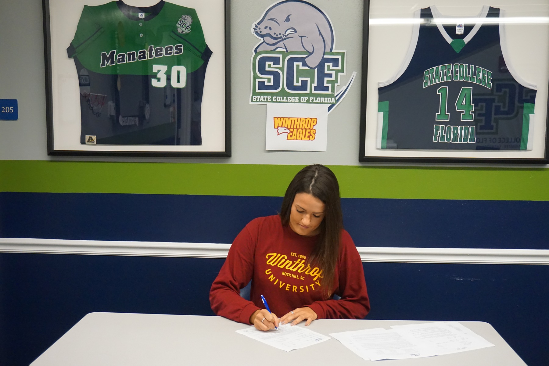 Vaucher Signs with Winthrop University