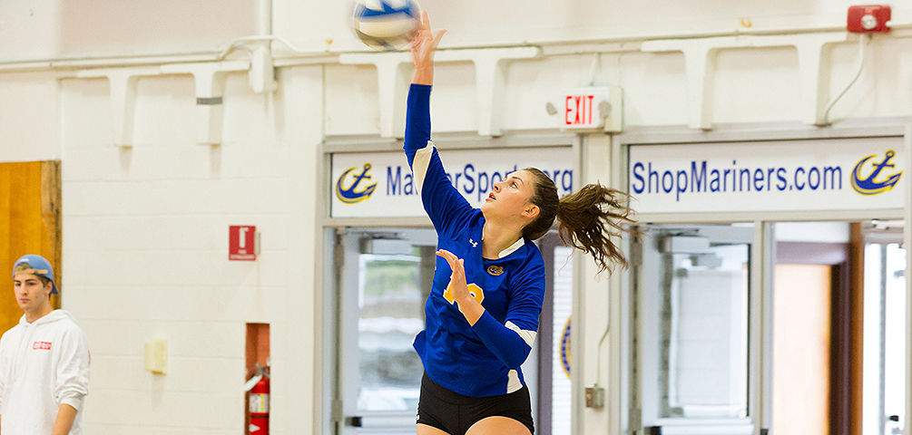 Volleyball's Strong Start Falls Short Against Colby