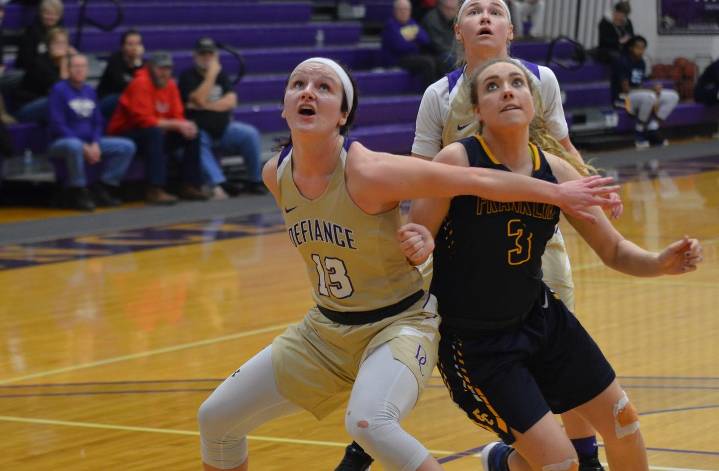 Slow Start Sinks Yellow Jackets in HCAC Action