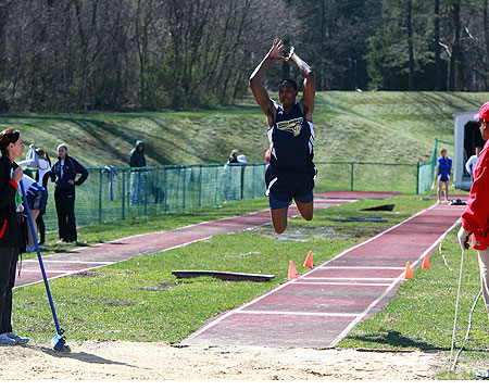 Flowers finishes sixth at the ECAC Division III Track and Field Championships