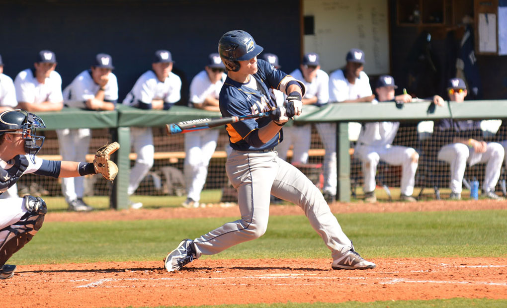 Emory Baseball Wins Third Straight; Defeats Middlebury 10-2 Behind Seven-Run Seventh