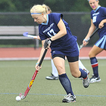 Field Hockey Moves Up To #19 Nationally; Banmann Earns Weekly Honors