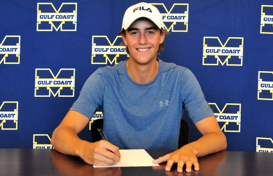 MGCCC's Vos signs at UNO