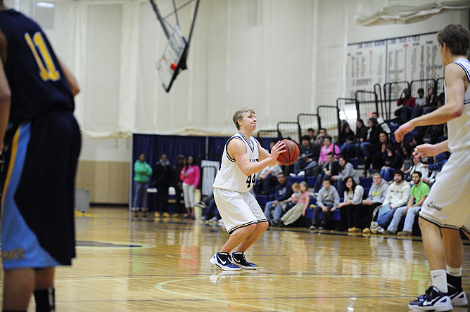 Three-Ball Leads Lions Into AMCC Semifinals