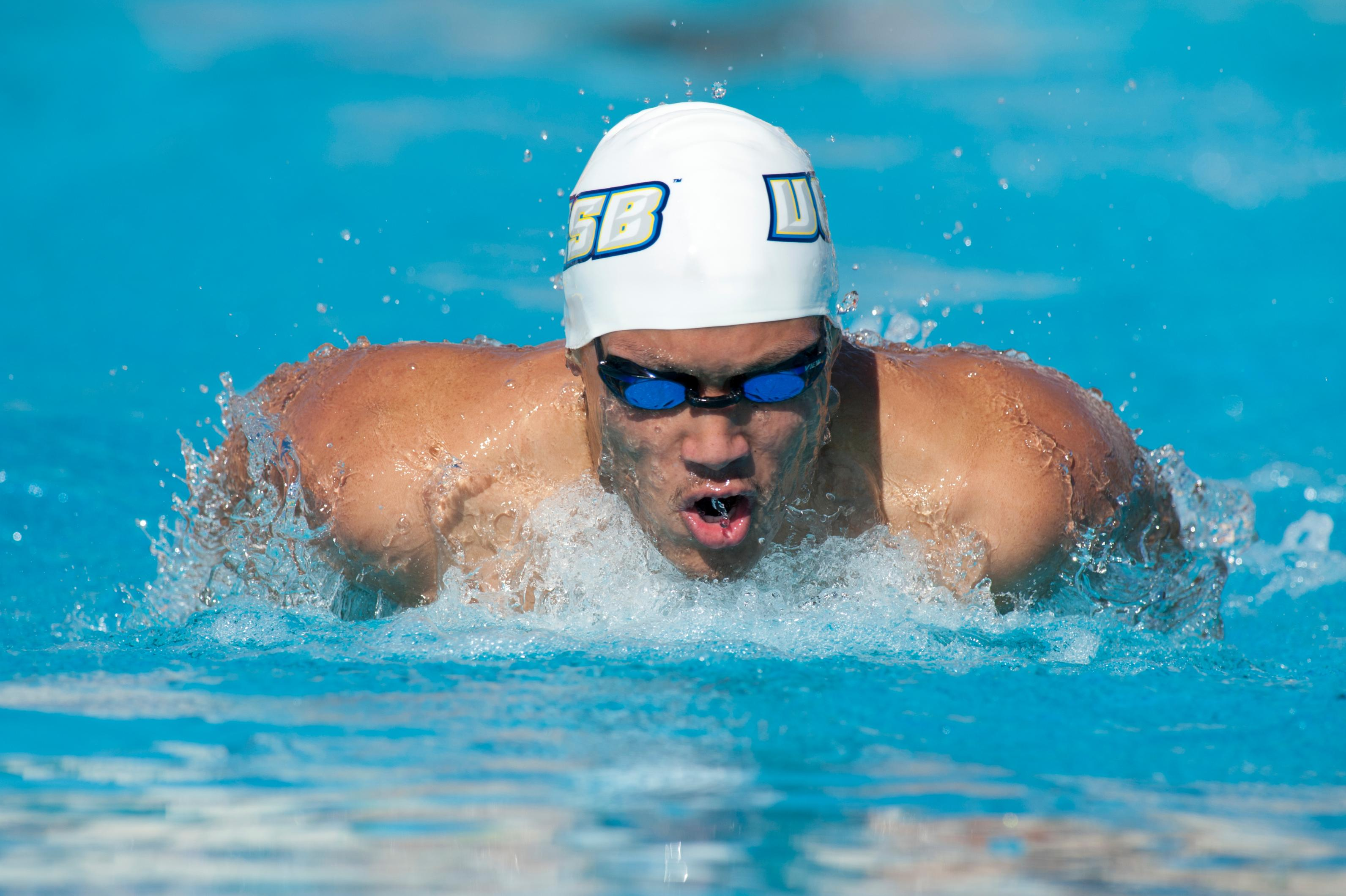 UCSB Splits Series with Cal Poly, Hawaii in Tri-Meet