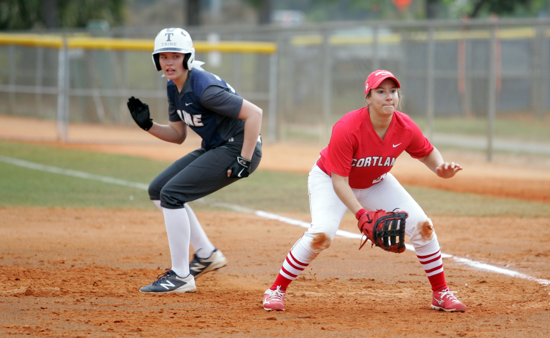 Softball at Olivet Moved to Sunday