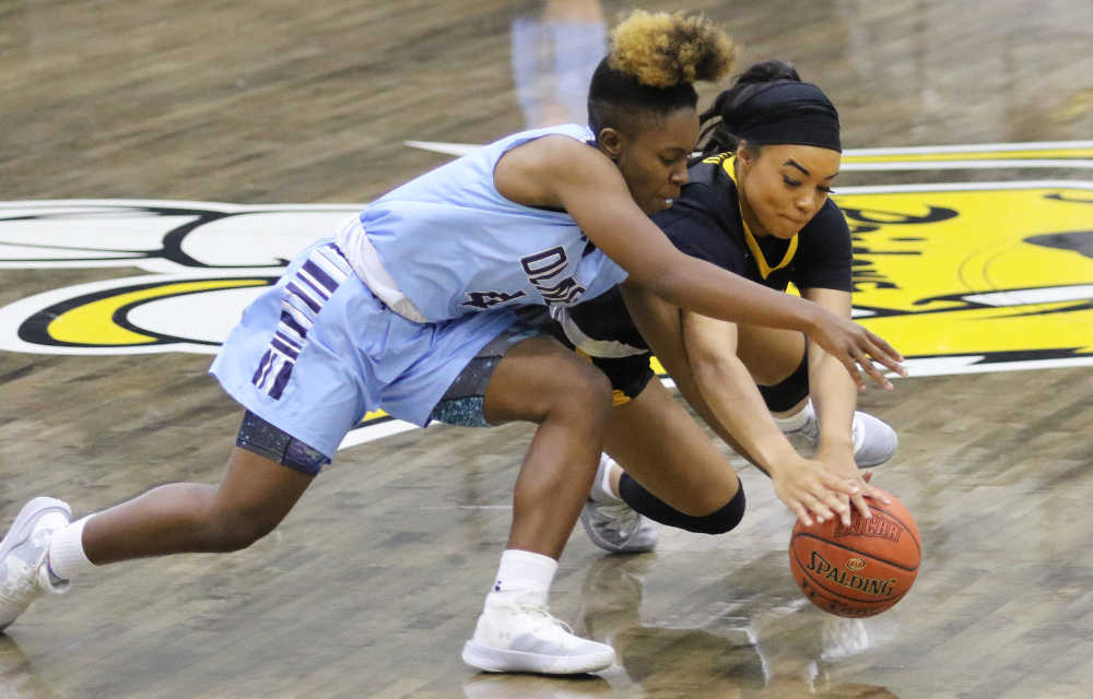 Lady Raiders finish Showdown with winning record