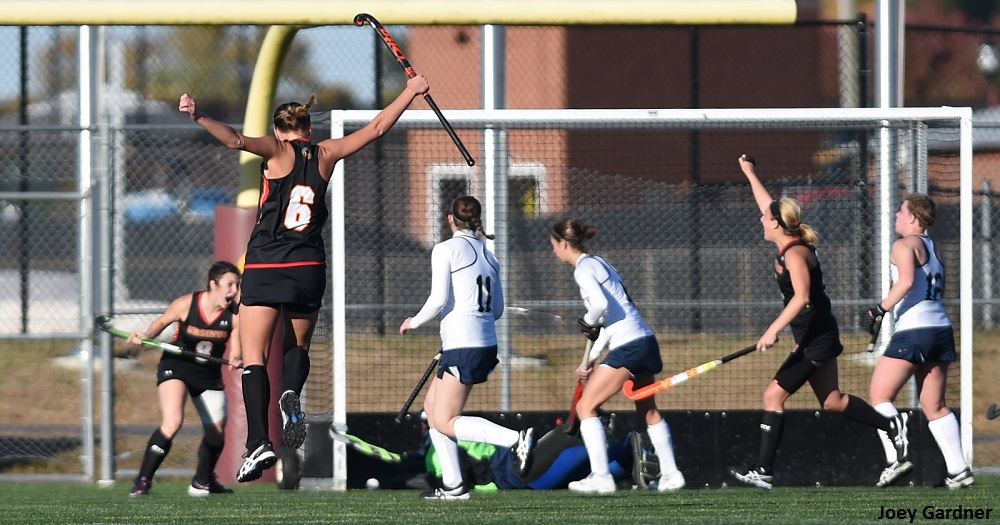 Field Hockey Bests Bantams to Advance