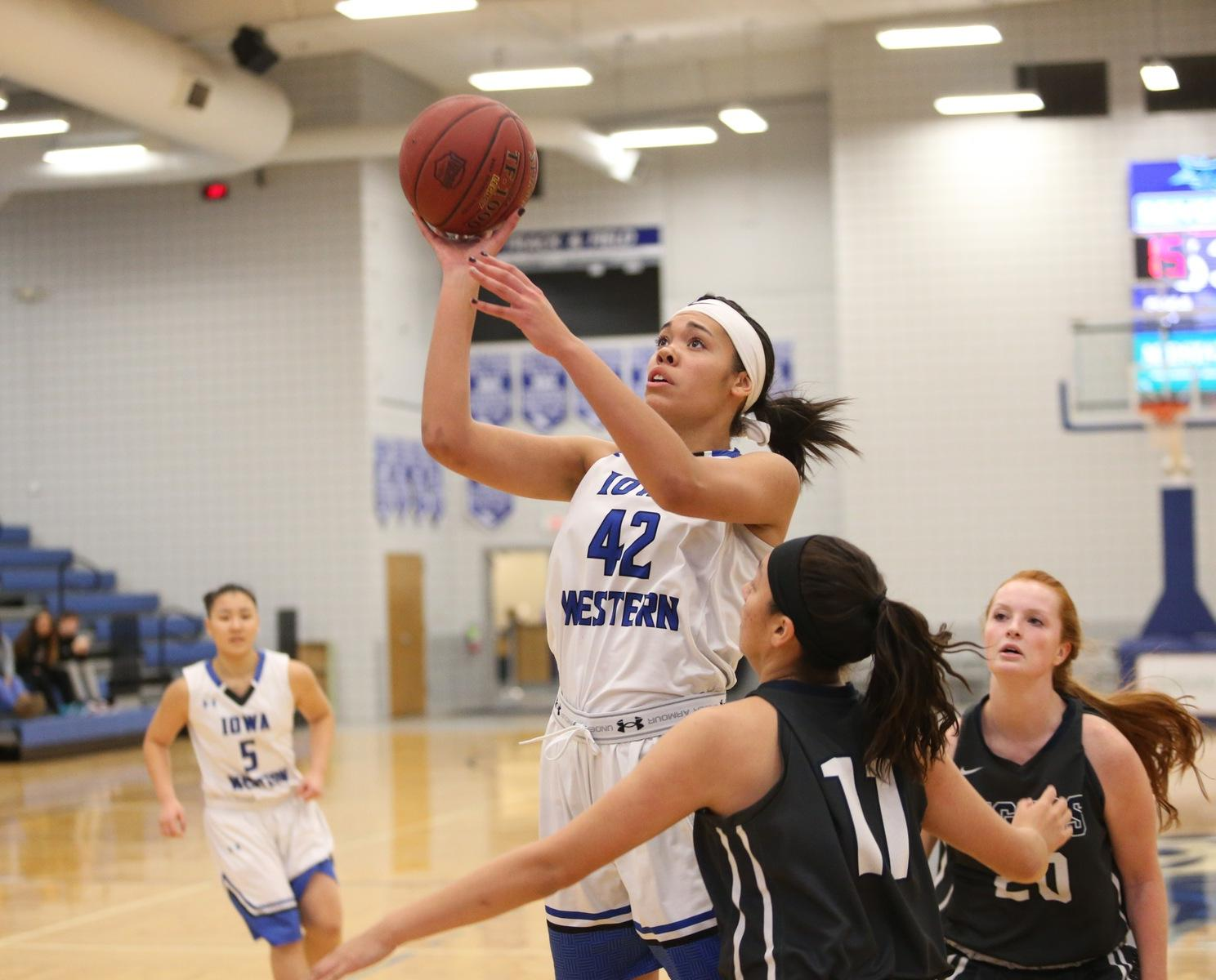 Kiara Dallmann tallied 11 points in the win over Marshalltown this past Wednesday for the Reivers 13th straight-win.