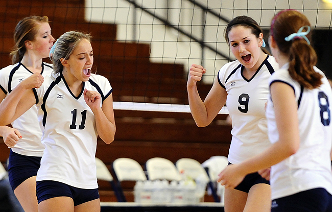 Volleyball Sweeps Mules on Homecoming