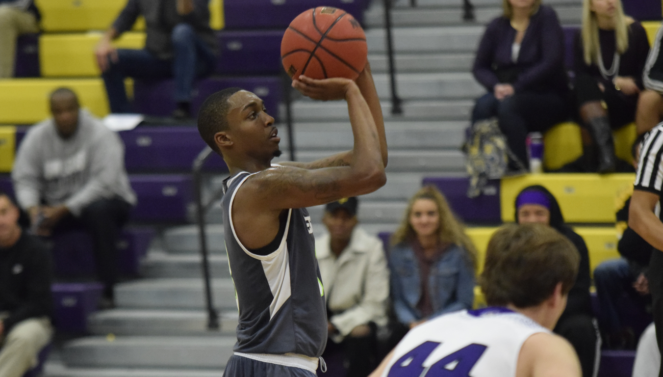 Men's Basketball Notches Season-Opening Win in Double-OT Thriller