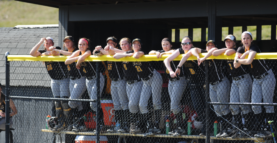 Softball Splits with UMass Lowell on Saturday