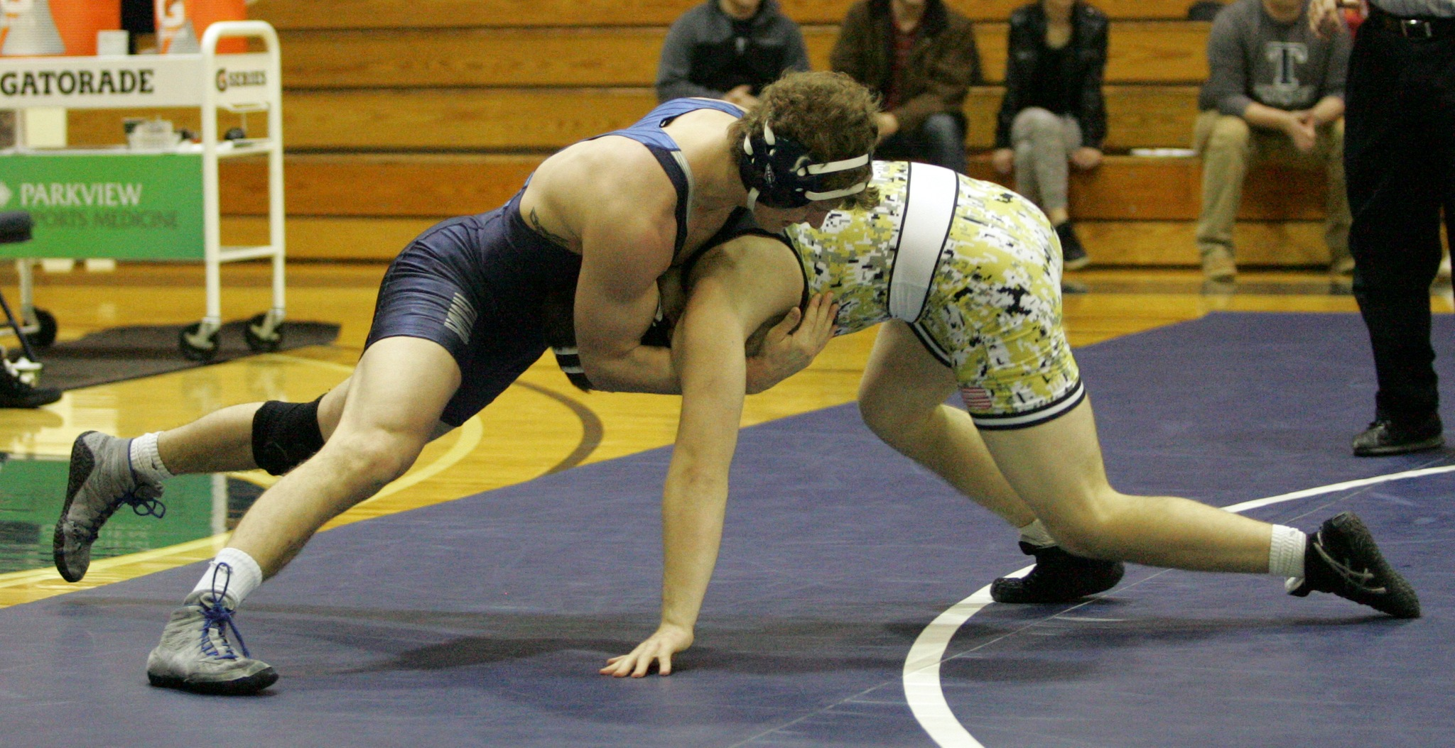 Wrestling Wraps Up Season at Midwest Regional Championships