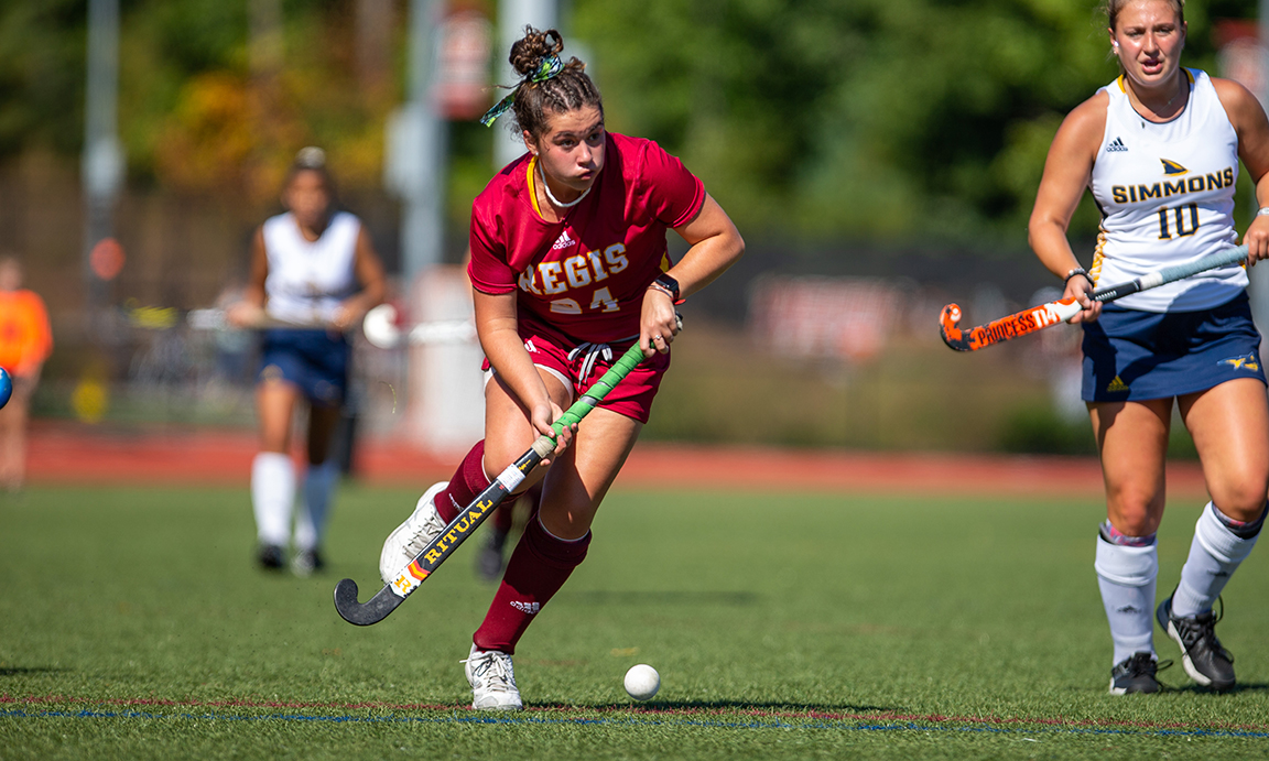 Regis Field Hockey Cruises to Road Victory