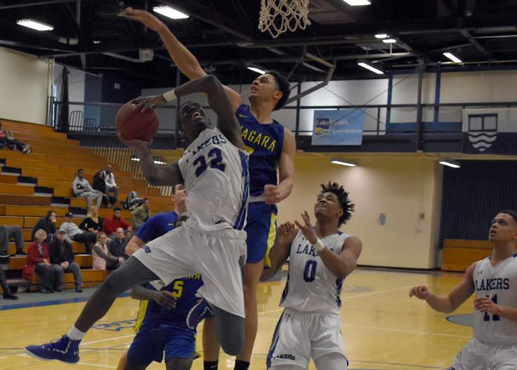 No. 18 Lakeland unable to complete comeback over Niagara County, 84-74