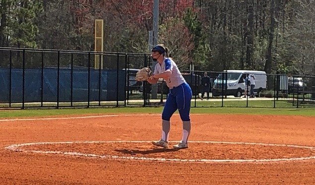 Softball Goes 2-1 to Continue Spring Break Trip