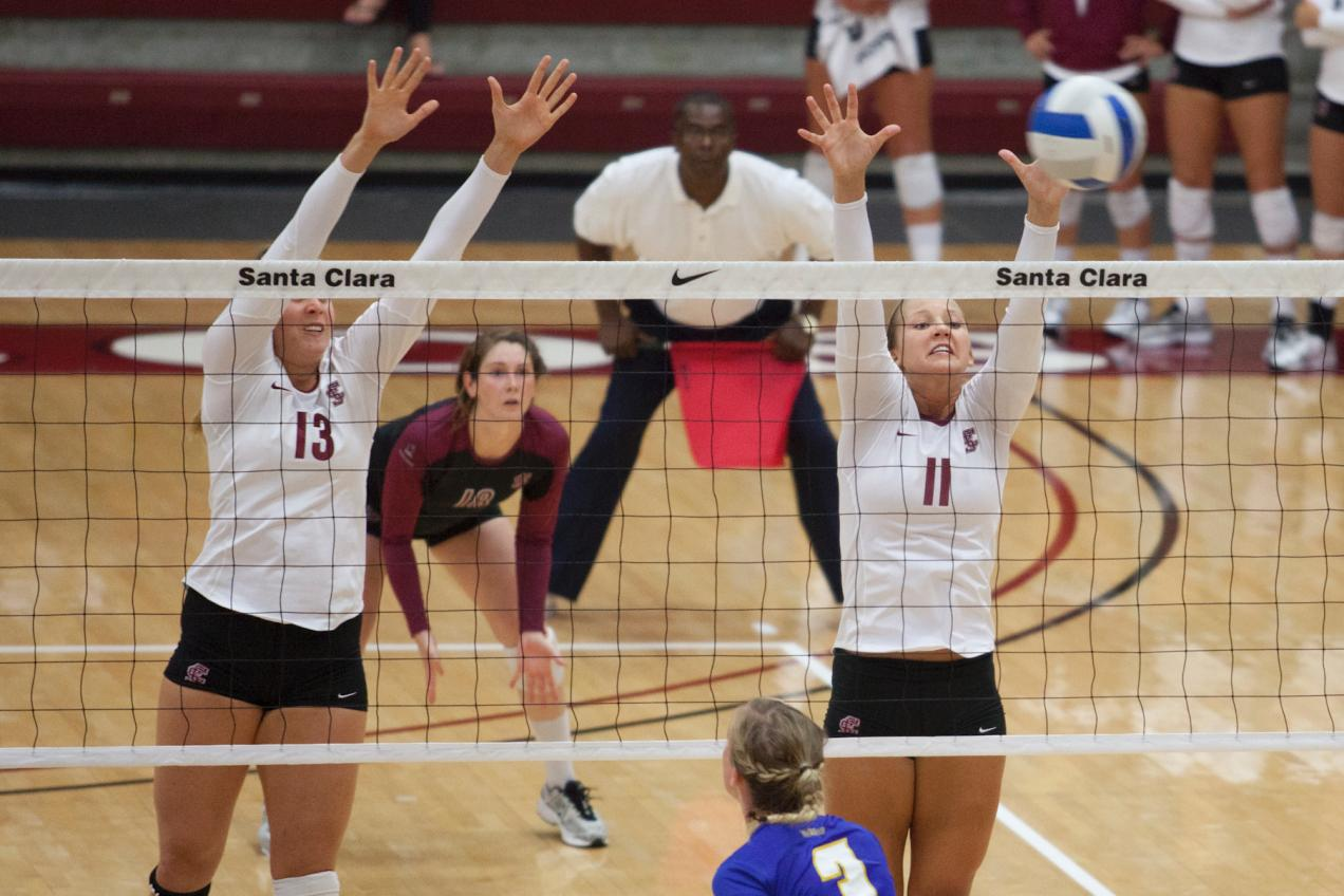 Volleyball Tops Portland in Three