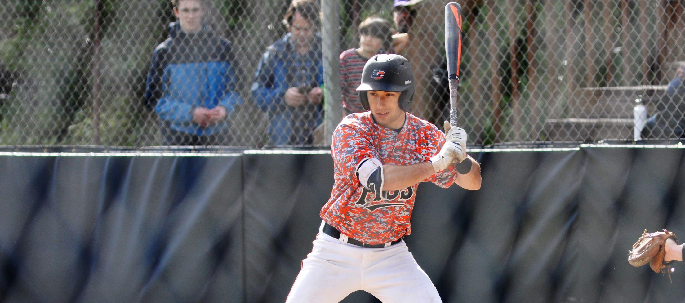 Lewis & Clark can't complete late rally for win