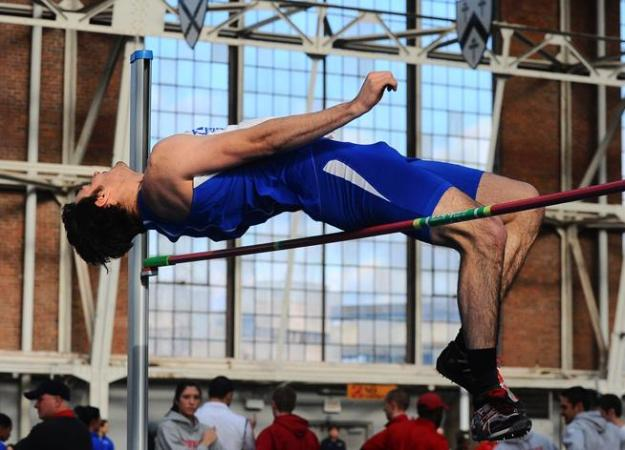 Men's Track 8th at Donahue Indoor Games