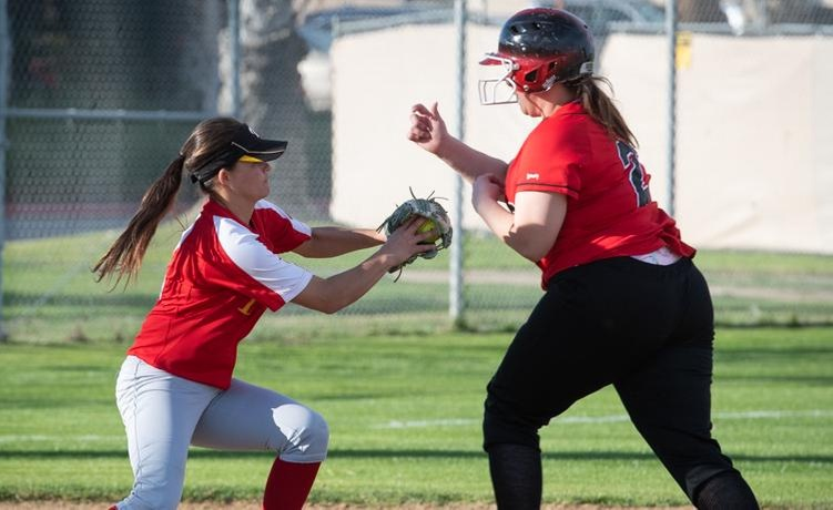 COD Softball grabs first win of 2019 over winless Wolverines, 11-5