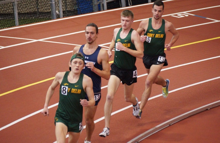 Arnecke, Lane Grab NAIA B Qualifiers in 3K to Highlight Ithaca Bomber Invite