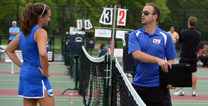 Women's Tennis splits matches with St. Norbert, Beloit