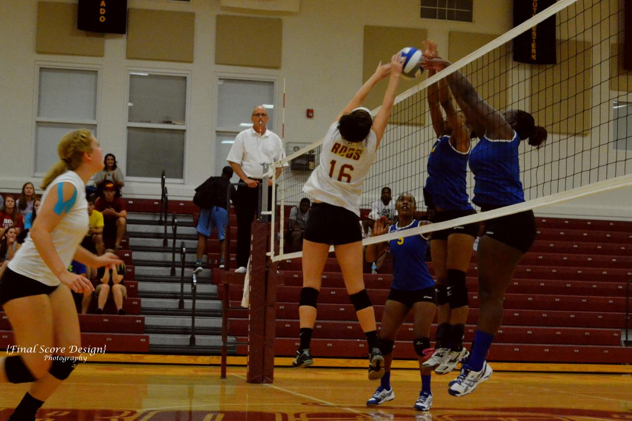 Volleyball Splits with Oklahoma City and Texas College