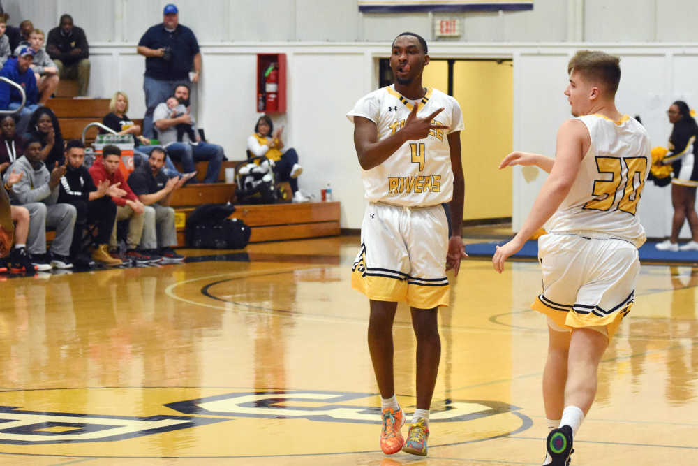 Jarrett secures 7th 30-point game to lead Raiders past Mineral Area