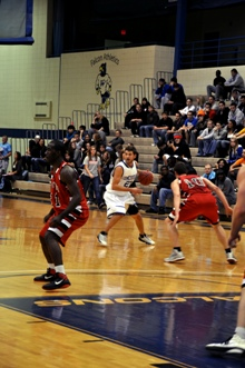 Falcon men rally past Benedictine 65-59