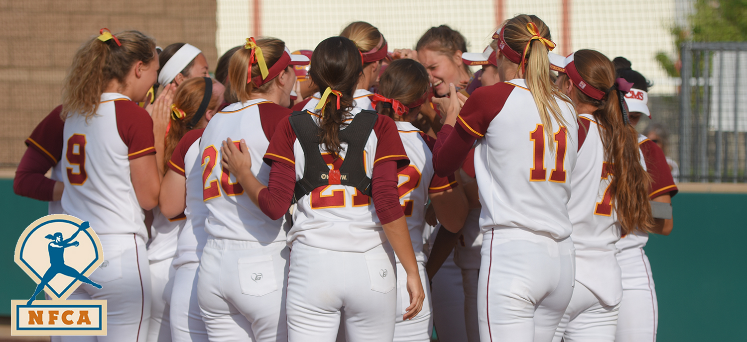 Eight Athenas Named NFCA Scholar Athlete Honors