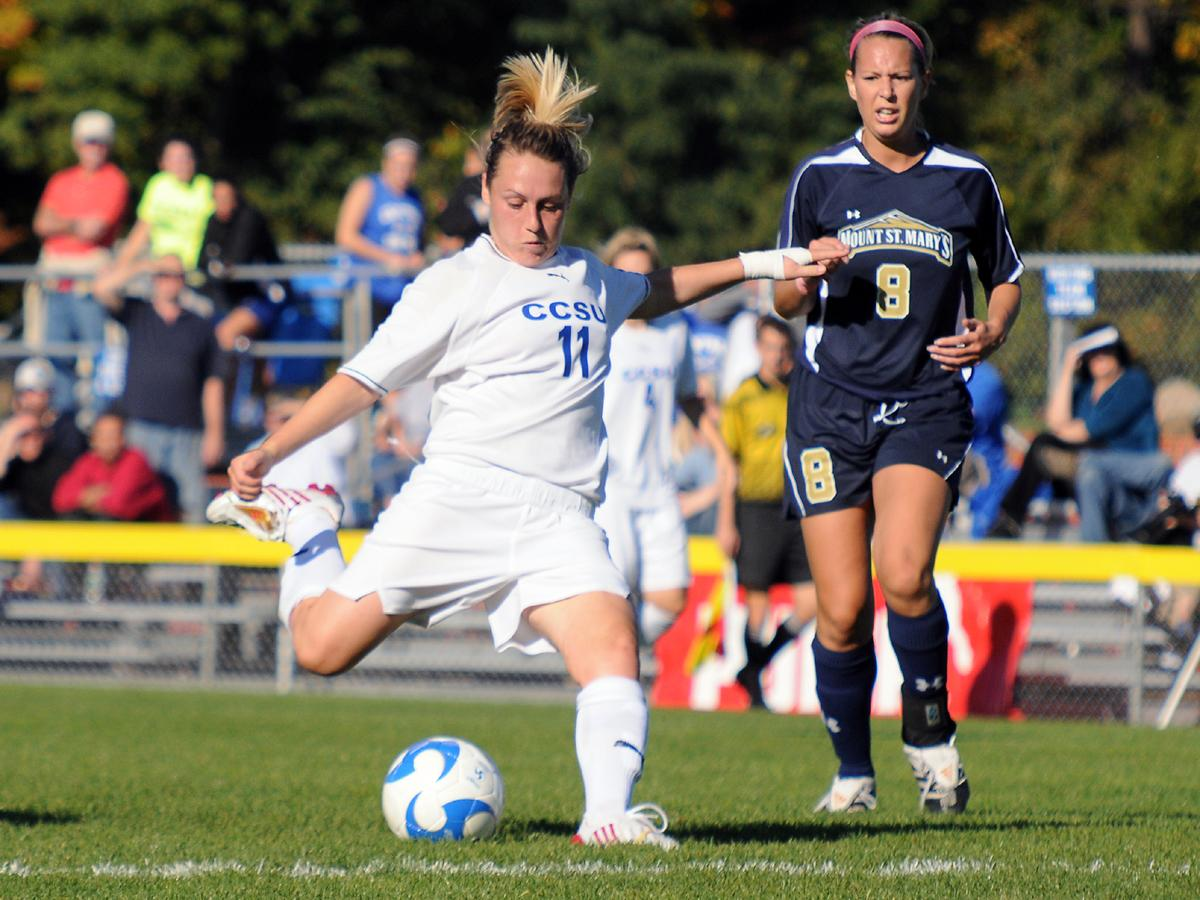 Women's Soccer Opens 2009 Season with 1-0 Win Over Siena