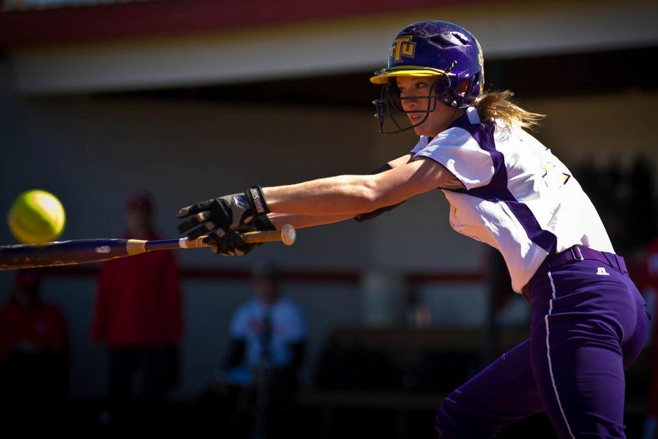 Tech puts out Flames, cages Bears on first day of KSU Classic