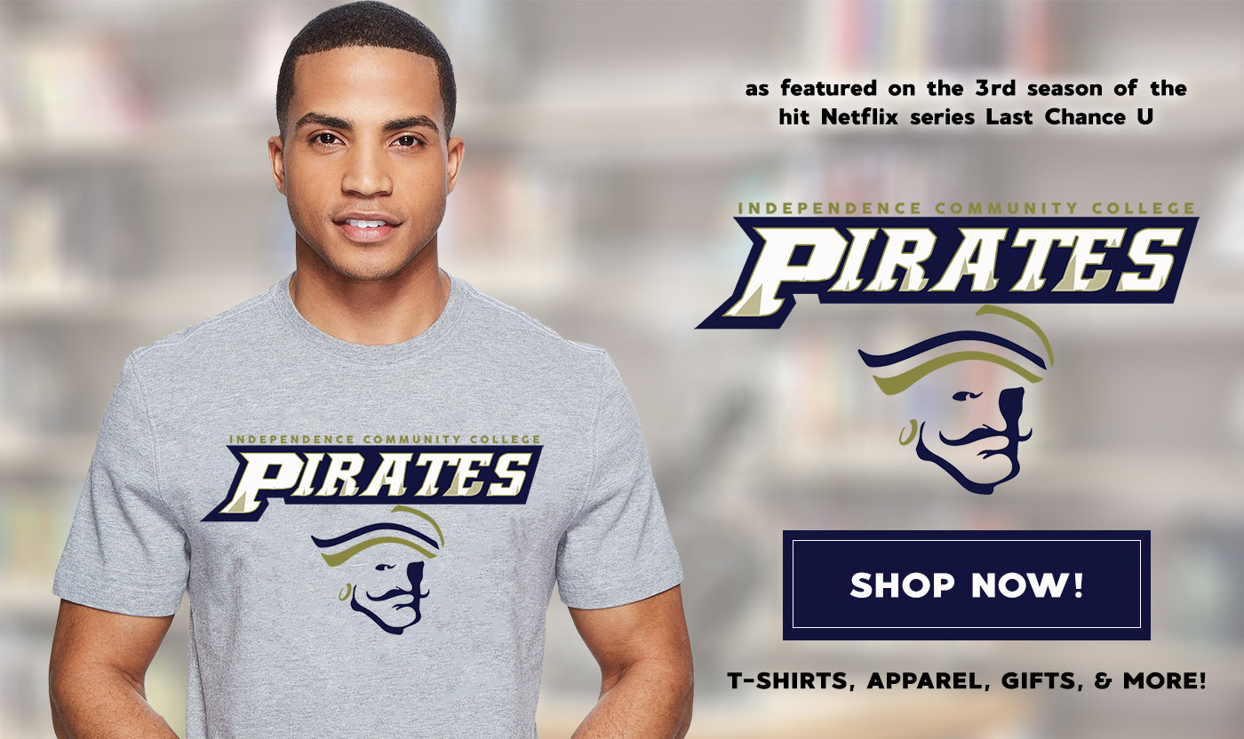 picture of a man wearing a pirates t-shirt