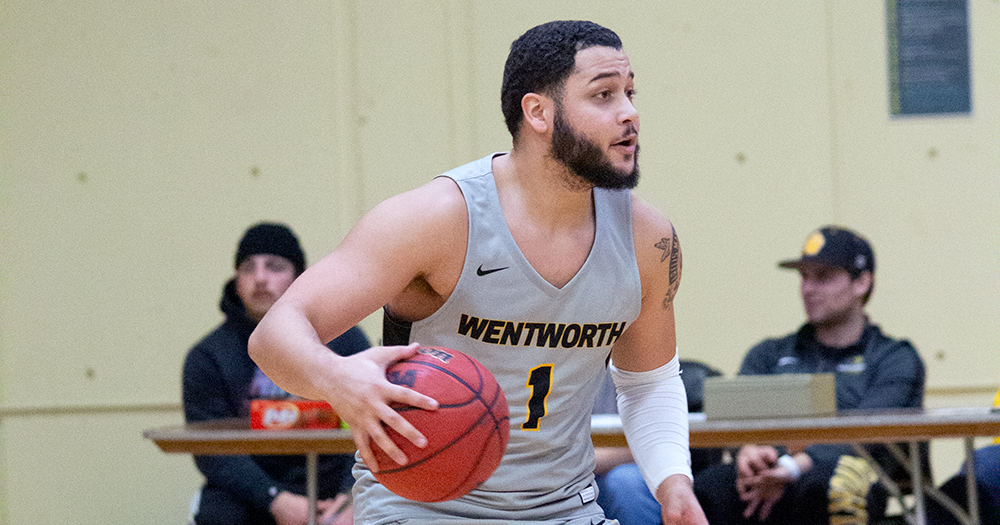 Men's Basketball Storms Back, Outlasts UNE in Overtime