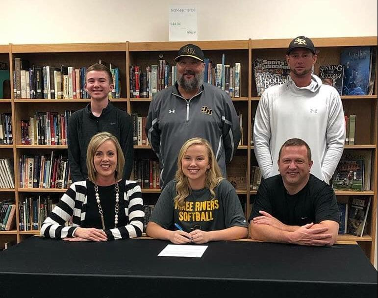 Malden's Thomas signs with Lady Raiders Softball
