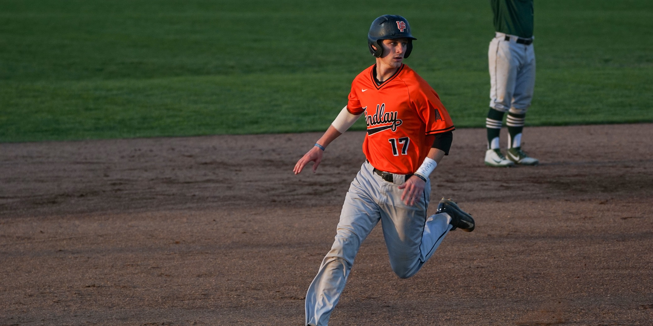 Findlay Drops a Pair of One Run Games to Lake Erie